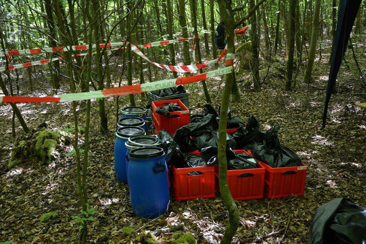 Skelettierte Leichenteile im Wald , © Polizeipräsidium Oberbayern Nord